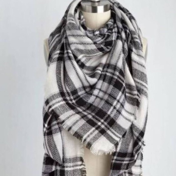 Modcloth Accessories | Black And White Plaid Blanket Scarf | Poshmark